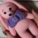 Crochet bunny amigurumi with bow
