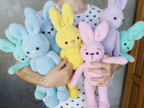 Bunny amigurumi crochet toy