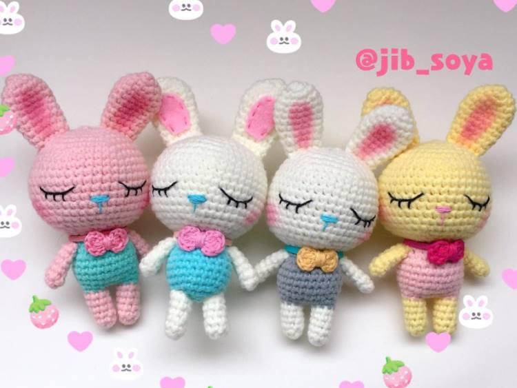 Sleeping bunny amigurumi