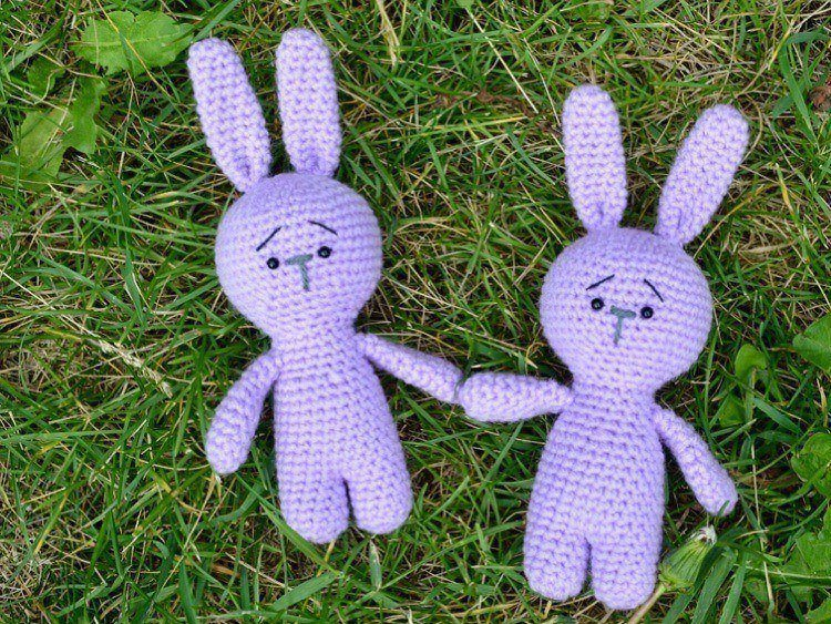 Free pattern - Small long-legged bunny | 563x750
