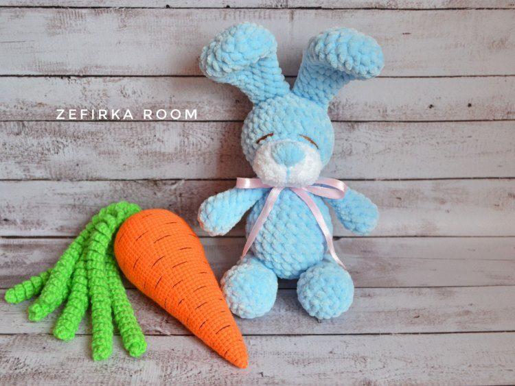 Crochet bunny and carrot