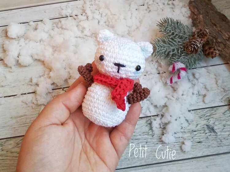 Crochet snowman bear