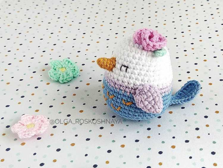 Crochet bird amigurumi