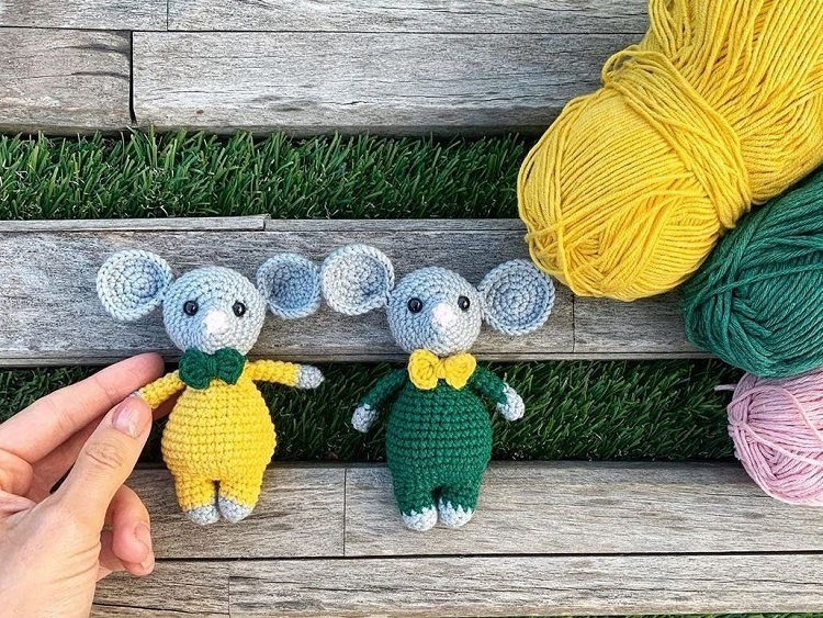 Crochet mouse couple pattern - Amigurumi Today | 563x750