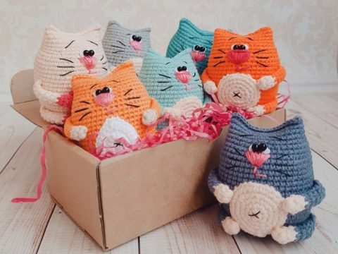 Amigurumi mini cats