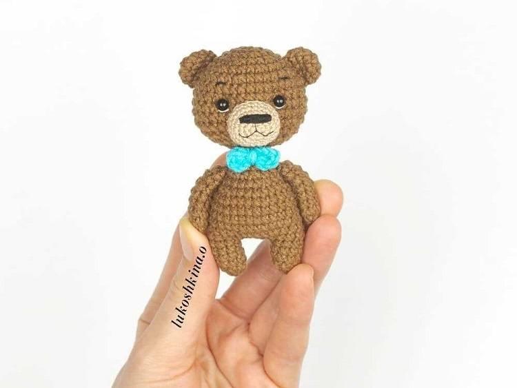 Crochet mini bear amigurumi