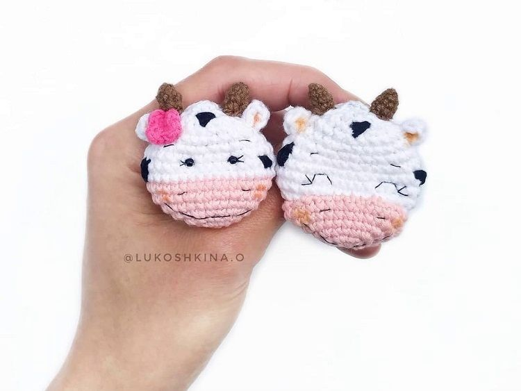 Crochet cow brooch pattern