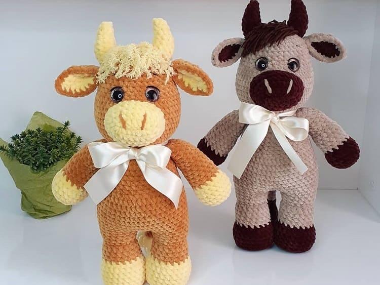 Crochet plush bull amigurumi