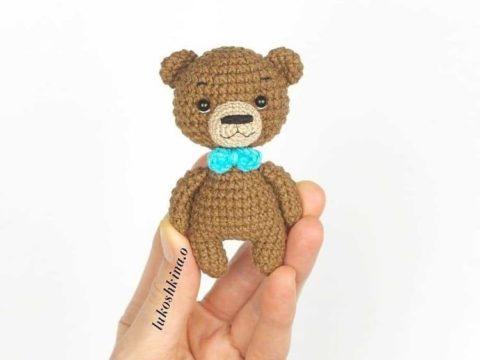 Little crochet bear amigurumi