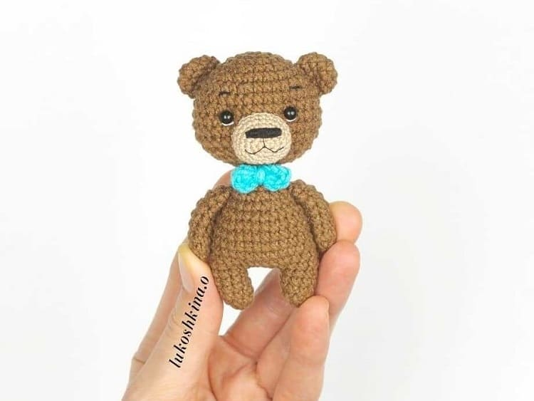 Little crochet bear amigurumi