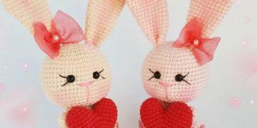 Crochet bunny with heart