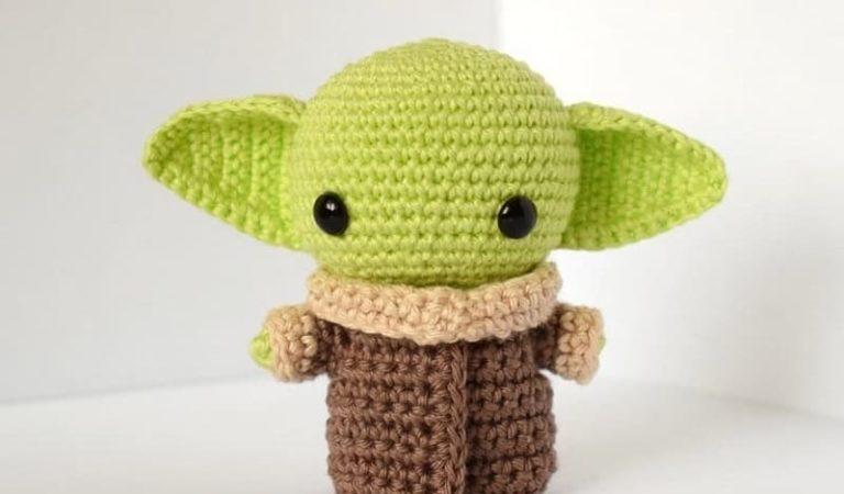 Baby Yoda free amigurumi pattern